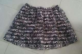 mesh skirt from US (plussize?