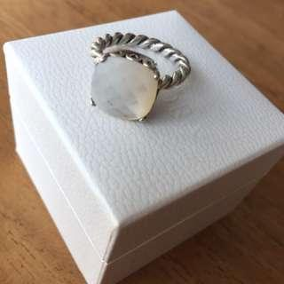 🚚 Mint condition Moonstone Pandora solid silver ring