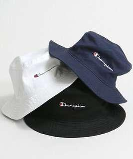CHAMPION BUCKET HAT