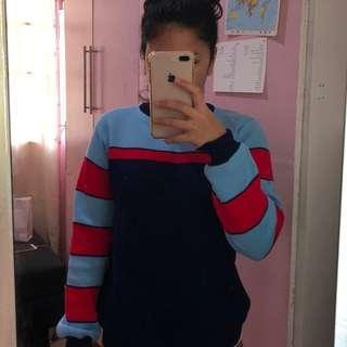 Super cute 90s sweater