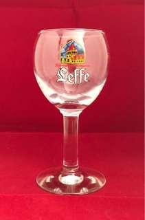 比利時,Leffe,啤酒杯,0.25L, 7吋高,全新。