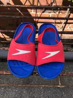 Authentic Speedo Beach Slippers (US 8)