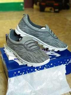 Sepatu merk SPEED baru