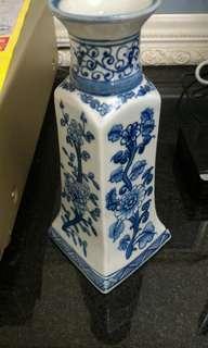 青花花卉紋圓口四方瓶