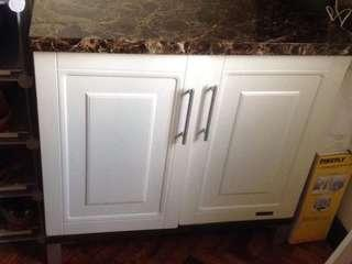 Cabinet in very good condition