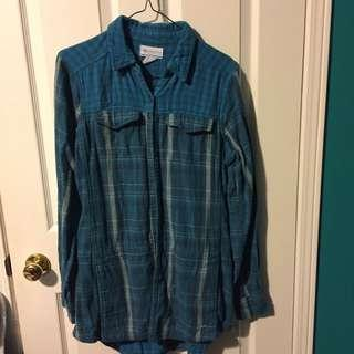 Columbia button down shirt women's size L