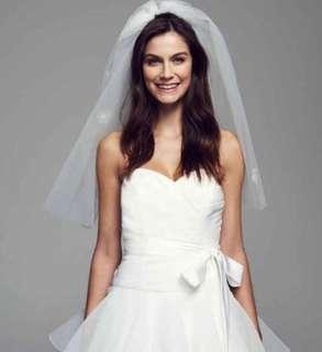 One tier white bridal Veil with flowers embroidery 新娘白色花花頭花 ( short length )