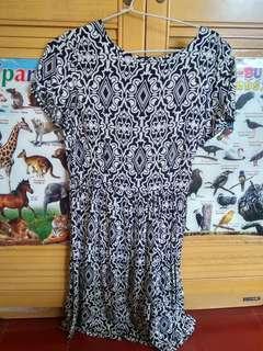 Dress batik monochrome