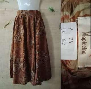 Midi skirt like new ( rok cantik / rok midi / rok import )
