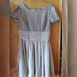 灰色短袖雪紡連身裙