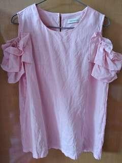 粉紅色漏袖棉麻上衣