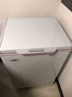 Farfalla Chest Freezer with lock 108L