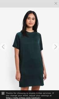 BNWT Raglan shift dress
