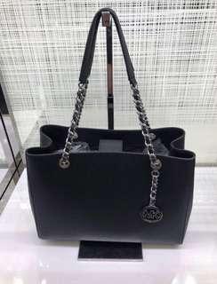 🚚 💯 % Authentic BNIP MK Susannah Large Tote Bag