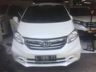 Freed 1.5 E PSD Automatic th 2013 Double AC siap pakai