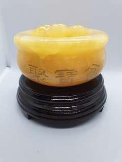 Yellow Jade Treasure Pot 黄玉聚宝盆