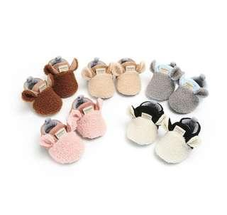 🚚 🌟PM for price🌟 🍀Newborn Baby Girl Boy Soft Plush Soft Sole Shoes🍀