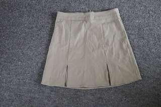 Split skirt!