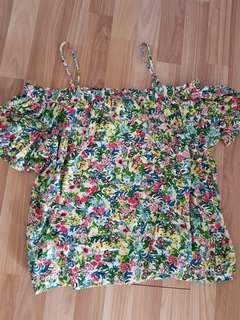 🚚 BNWT H&M SUMMER FLING GARDEN TOP SIZE L