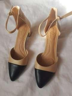 PLUS SIZE SHOES with HEELS black and beige