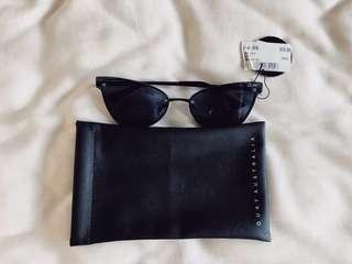BRAND NEW (R.P. $70) Quay Sunglasses