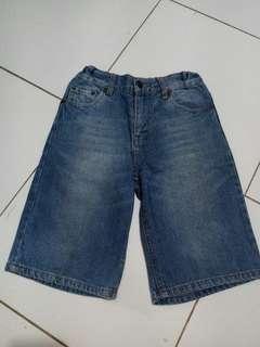 Short jeans boys