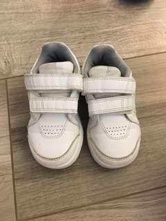 Adidas 小童純白色波鞋 size 130