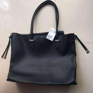 🌻 BNWT H&M black faux leather handle tote bag