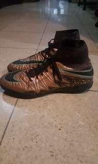 Sepatu futsal Nike mercurial proximo