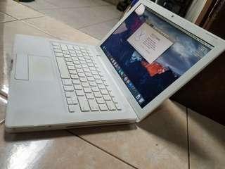 Macbook 13inch mid 2009 mulus bersih