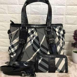 Burberry Tote Bag with purse
