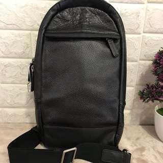 Coach one side sling bag
