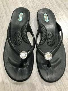 💯Authentic OKA-B Women's Flip Flop