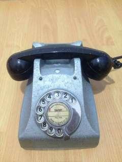 Vintage Telephone antique 70s