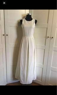 White Dress/ white maxi dress/ white gown/ dress/ maxi dress/ gown / pleated maxi dress/ prom dress/ performance dress/ photoshoots