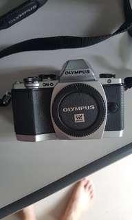 Olympus OMD EM 10 Silver (Body)