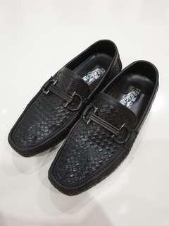 Ferragamo Men Shoes Size 40