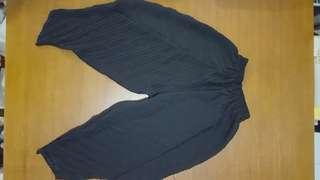 Celana hitam karet