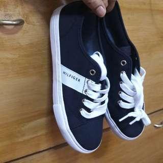 Tommy Hilfiger Size 7 Shoes