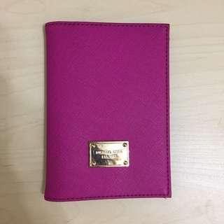 Michael Kors 護照夾