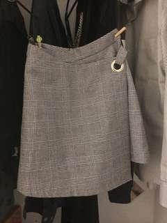 #blackfriday100 zalora grid skirt