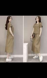 Retro in khaki/ brown color set top and dress