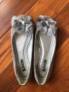 女裝灰色平底鞋