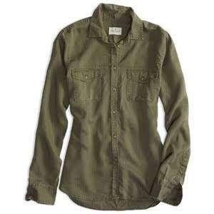 AMERICAN EAGLE OUTFITTERS OLIVE GREEN BUTTON DOWN SHIRT