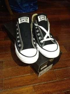 (NEW) Converse All Star UK6 / EU39