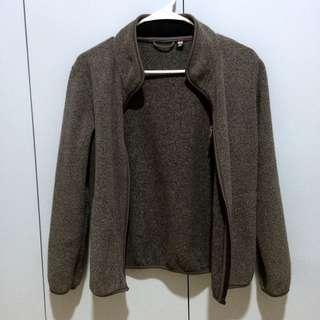 UNIQLO GRAY SWEATER