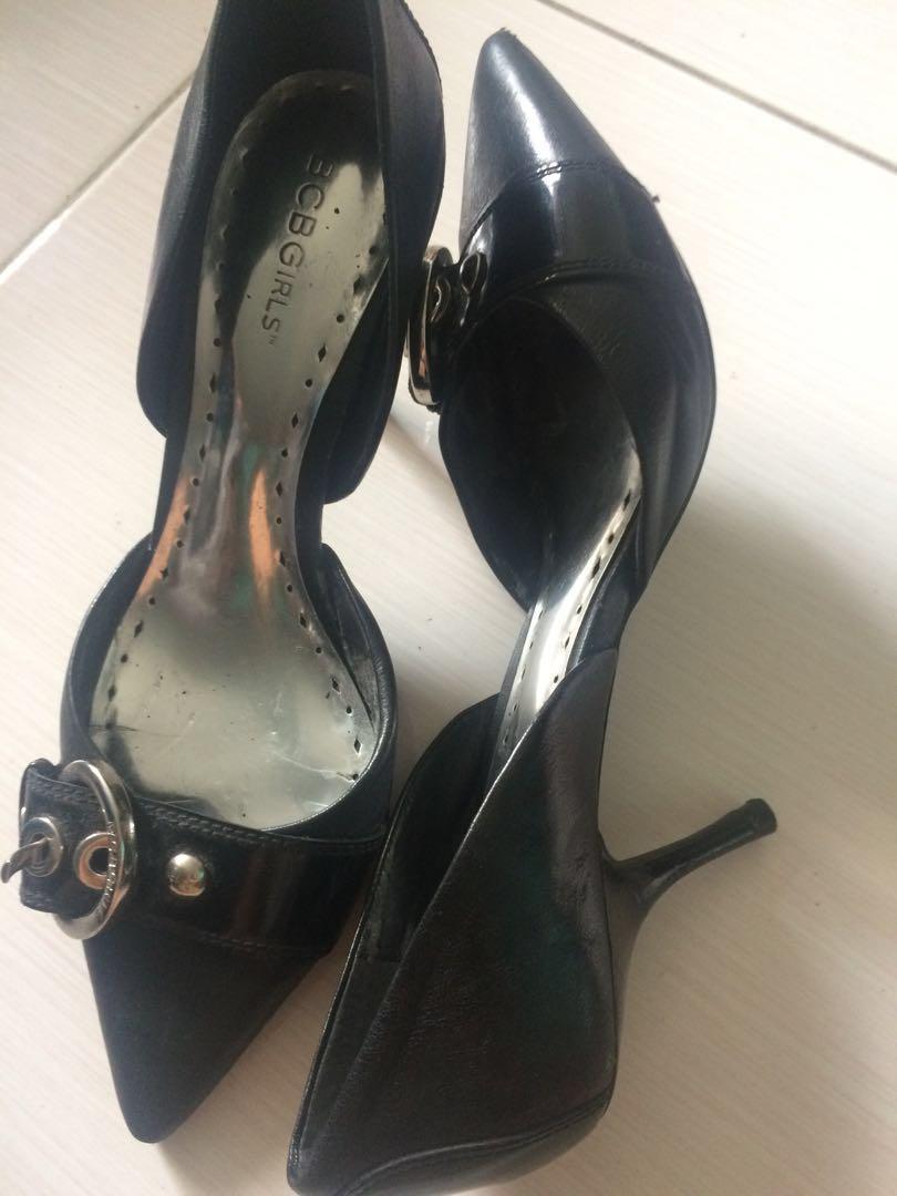 16592c884b BCBG girls black pointy heels shoes