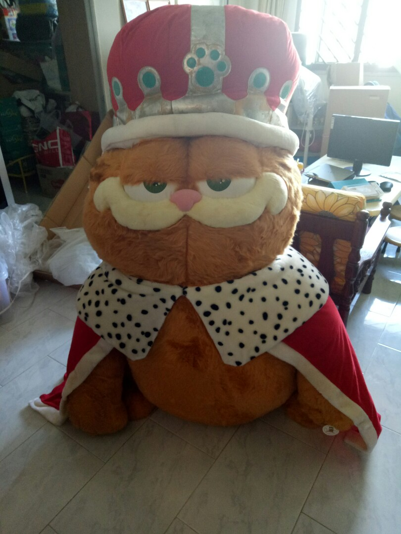 Garfield King Plush Toy Giant Size Toys Games Stuffed Toys On Carousell