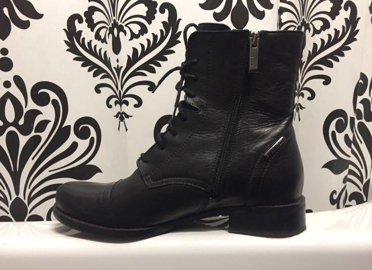 Genuine Leather Women's Black Boots Size 38 8 Made In Europe