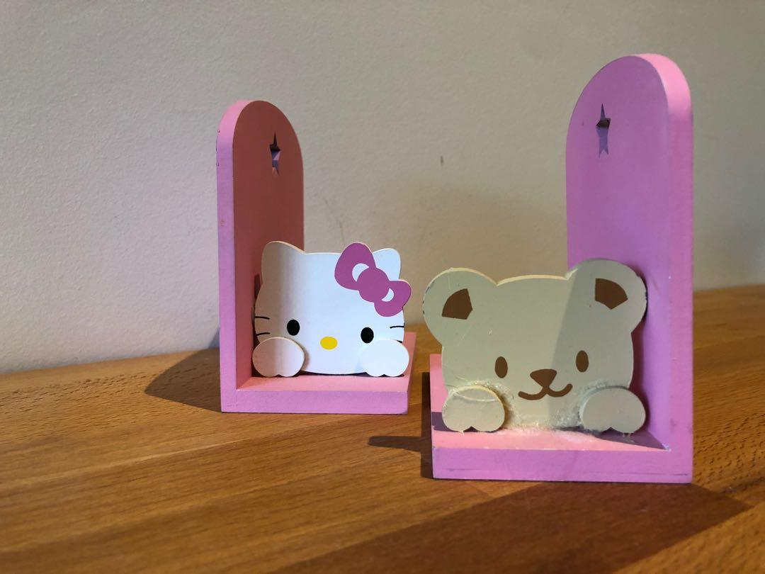 Hello kitty Bookends boom holder wooden
